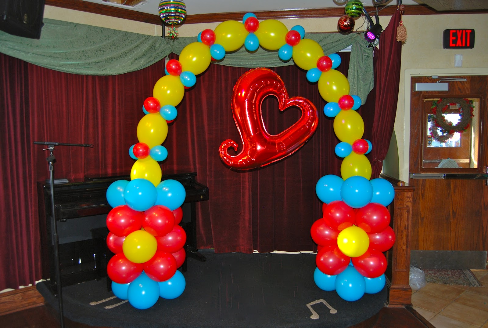 Balloon d cor cooking and company catering for Balloon decoration companies